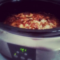Slow Cooker (Crock Pot) – Easy Cooking Gadget for The Kitchen